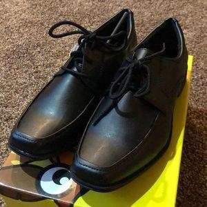 Smart fit boys dress shoe